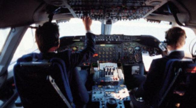Horror: pilóta nélkül repült az utasszállító