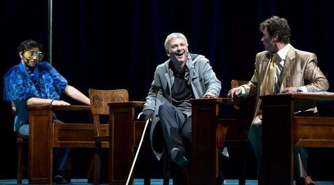 Horror összegekért adják-veszik a Nemzeti Színház jegyeit