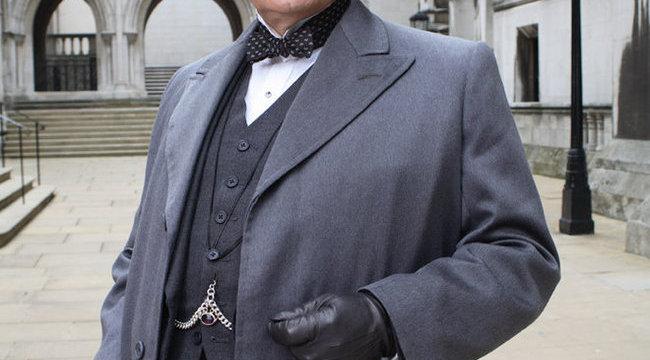 Otthon sem tudta levetkőzni a szerepét Poirot