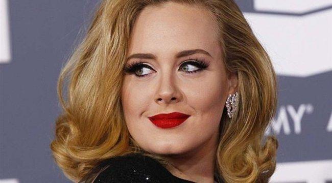 Speciális bugyitól szexi Adele