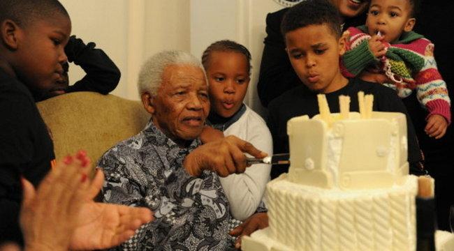 Imádkoznak érte: haldoklik Nelson Mandela