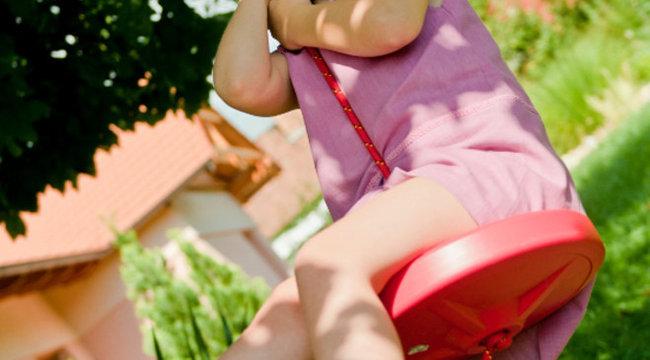 Biztonságos kerti játékot keresnek a szülők (x)