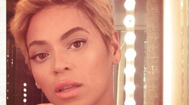Beyonce póthajjal vigasztalódik