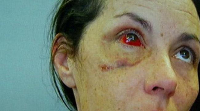 Brutálisan bántak el a letartóztatott nővel - videó