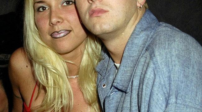 Eminem visszatért feleségéhez