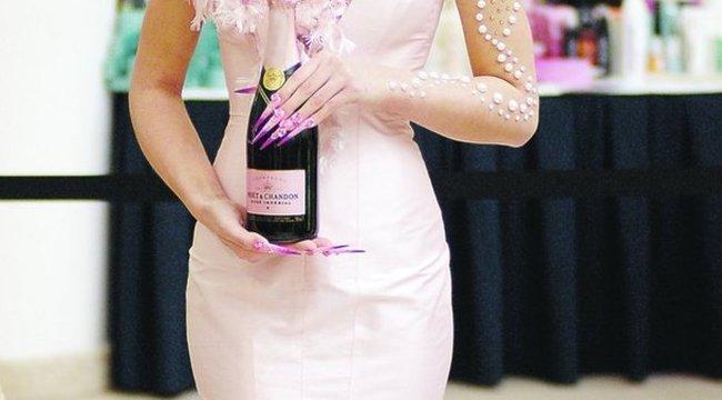 Milliós pezsgőlánnyal nyertek Hajniék