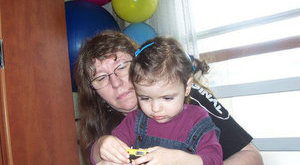 Unokahúgában él tovább a meggyilkolt Niki