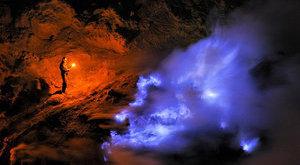 Döbbenet: kék lávát lövell a vulkán