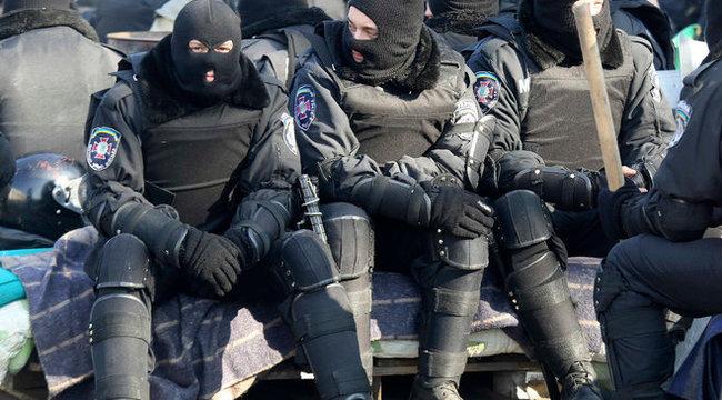 Távozik az ukrán elnök, csitulnak a harcok