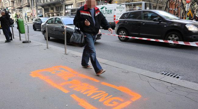 Tilosban állt meg, most királyi parkolót kapott Orbán