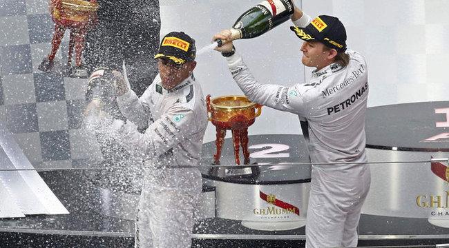 Button a McLaren mérnökeit szidja