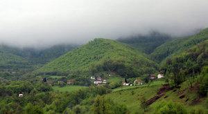Gyógyító piramisokhoz jár Boszniába a világ