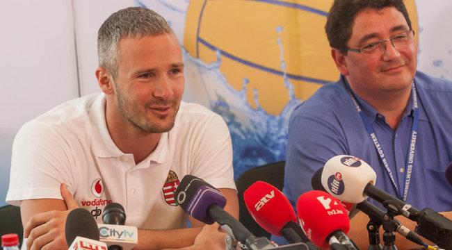 Szivós Márton szívműtétje után készül a póló Eb-re