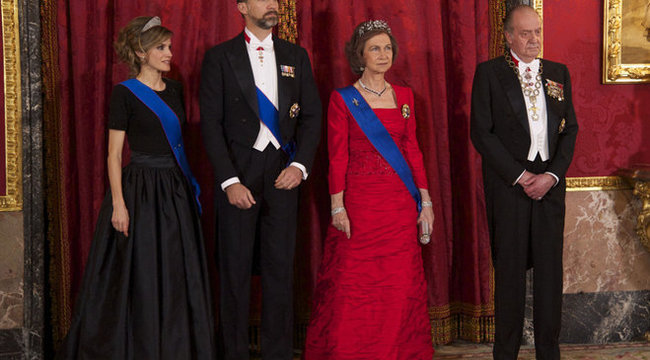 Lemondott trónjáról a spanyol király