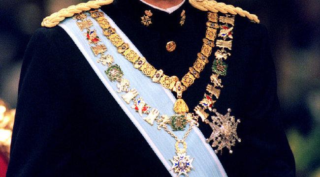 Sírba viheti szörnyű titkát a spanyol király