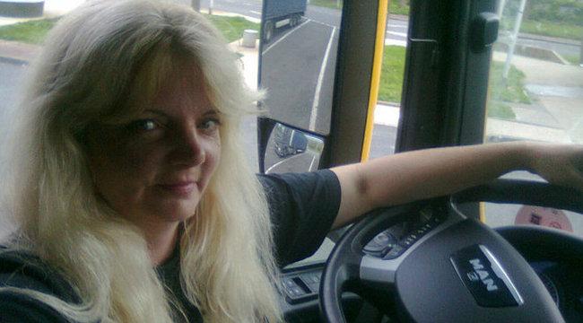 Gyöngyi húsz éve a kamion úrnője