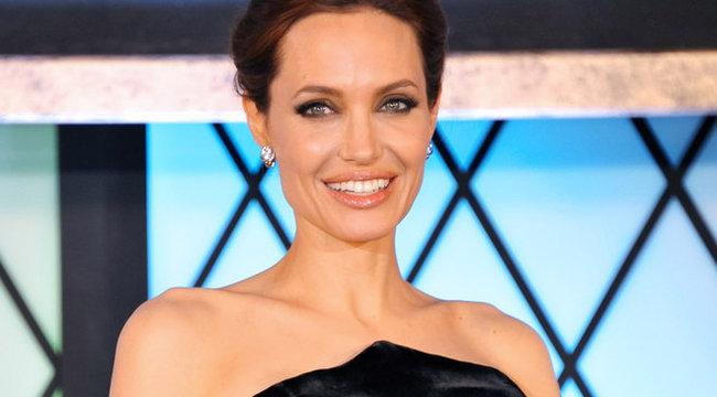 Súlyos milliókat fizet arcáért Angelina Jolie