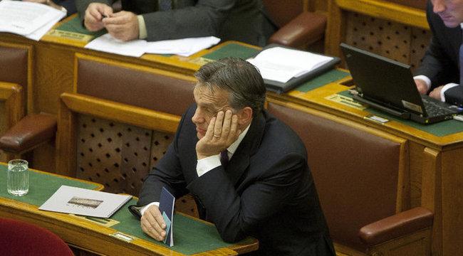 Különös gén miatt alszik keveset Orbán?