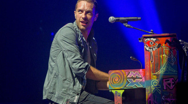 Napi romantika: Chris Martin dalokat ír Jennifer Lawrence-hez