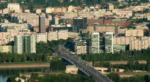 Lángolt egy autóbusz az Árpád hídnál