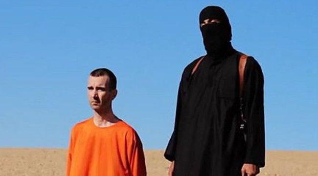 Kétgyerekes apát fejeztek le a terroristák - videó