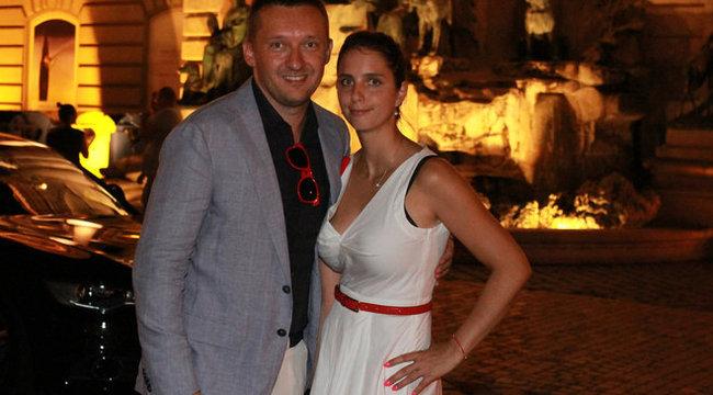 Asszonyával kampányol Juhász Péter és Rogán Antal