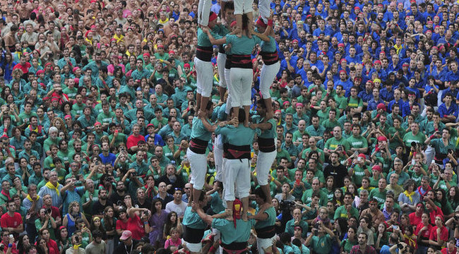 Égig ér a katalán embertorony