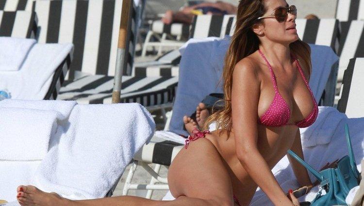 Focistafeleségek bikiniben