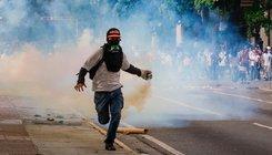 Kormányellenes tüntetés Venezuelában