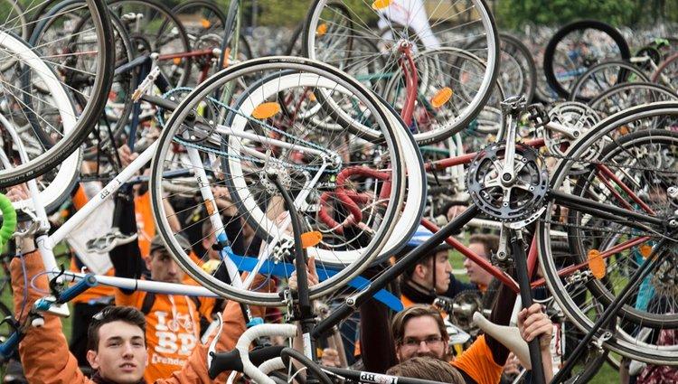 Több ezer biciklis vonult fel Budapesten