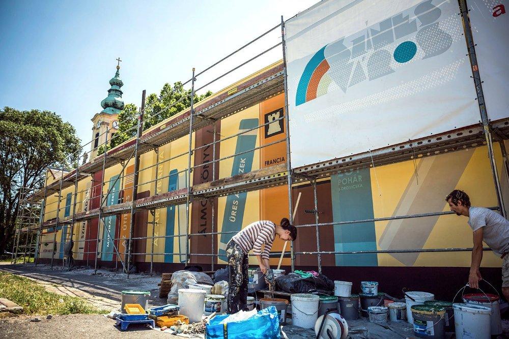 Kifestették az óbudai plébániát