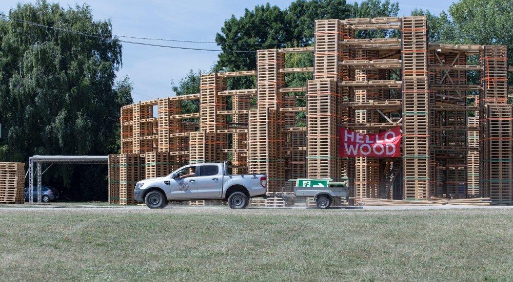 Finisben a Sziget fesztivál építése
