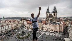 Kötéltánc Prága fölött