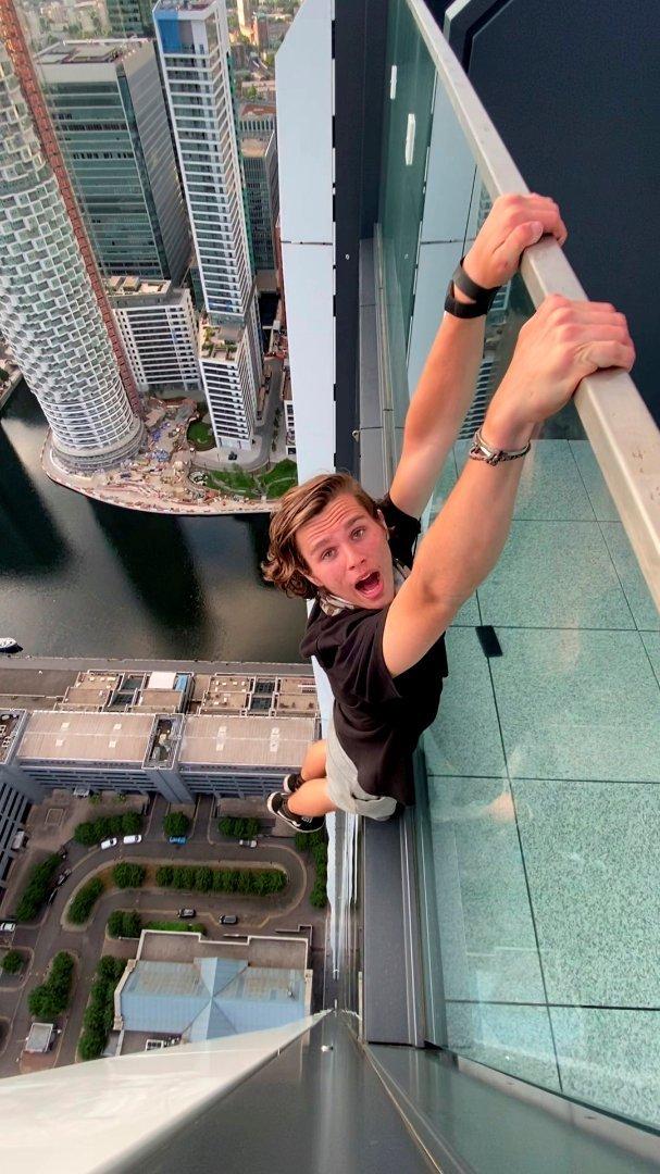 Adam Lockwood 200 méter magasan forgatta a